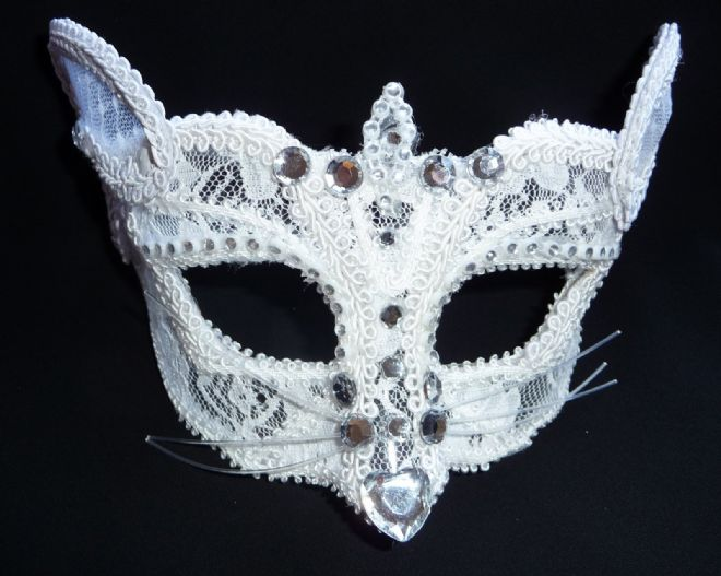 Petite White Lace Cat mask (glasses arms or ribbon fitting) (1)